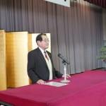 入会式であいさつする櫻井会長の写真